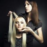 Klient und Stilist stockfotos