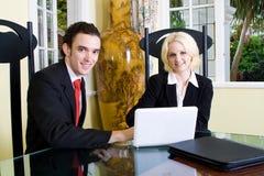 klienta spotkania pośrednik handlu nieruchomościami obraz royalty free