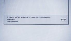 Klikać akceptuje ciebie ono zgadza się microsoft office tekst na scr fotografia stock