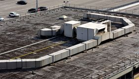 Klimaanlagen und Kanalisierung stockfoto
