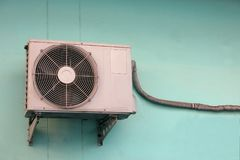 Klimaanlagenkompressor stockfoto