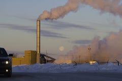Klimatförändring från fabriksavgaser arkivbilder