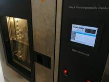 Klimatyczna sala dla środowiskowych testów elektroniczni produkty obraz stock