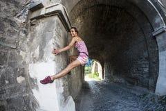 Klimmer op een stadsstraat stock fotografie
