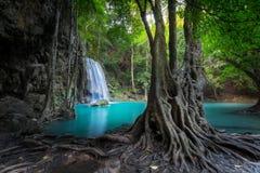 Klimpern Sie Landschaft mit Erawan-Wasserfall Kanchanaburi, Thailand Lizenzfreie Stockfotografie
