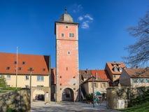 Klingenturm w Ochsenfurt który jest małym wioską rzeczną magistralą Zdjęcie Royalty Free