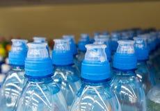 Klingeryt butelki z wodą mineralną Obrazy Royalty Free