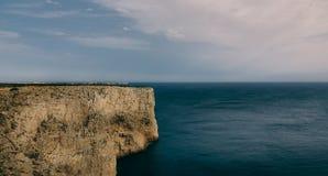 Klip door de oceaan Stock Afbeeldingen