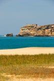 Klip en strand, Nazare, Portugal Stock Afbeelding