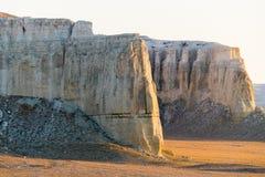 Klip op de rand van het Ustiurt-plateau, Kazachstan Royalty-vrije Stock Foto
