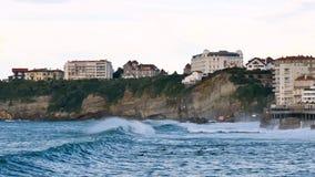 Klip van Biarritz, in zuidwesten van Frankrijk stock video