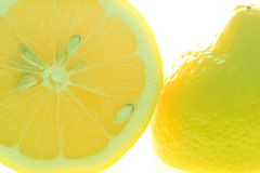 klipp den half citronen Royaltyfria Foton