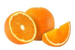 Klipp orange frukter som isoleras på vit bakgrund Arkivbild