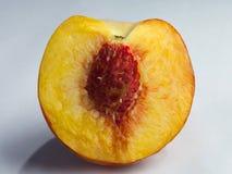 Klipp persikabäret Arkivfoton