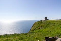 Klippa av den Moher sikten - Irland Arkivfoton