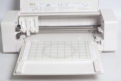Klippa den flatbed maskinen för plottare arkivbild
