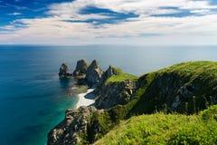 Klippa fyra Ryssland Primorsky Krai för udde till namn Arkivbilder