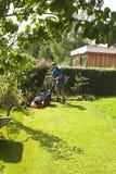 klippa gräs arkivfoto
