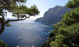 Klippa i den Capri ön Royaltyfri Foto