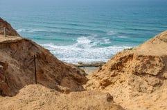 Klippa nära havet Royaltyfria Foton
