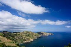 Klippa och hav i azores royaltyfri fotografi