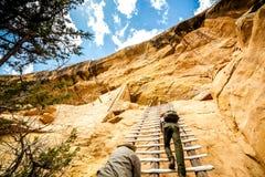 Klippaboningar i Mesa Verde National Parks, Co, USA Arkivfoton
