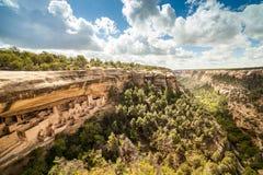 Klippaboningar i Mesa Verde National Parks, Co, USA Arkivfoto