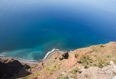 Klippaframsidan av Cabo Girao som sedd raksträcka ner från synvinkel madeira Fotografering för Bildbyråer