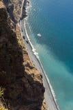 Klippaframsidan av Cabo Girao som sedd raksträcka ner från synvinkel madeira Arkivbilder