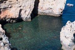 Klippakustlinje i Lagos, Algarve, Portugal Royaltyfri Fotografi