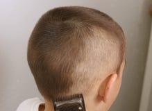 klippande hår 2 fotografering för bildbyråer