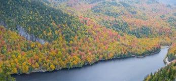 Klippe über unterem Ausable See im Adirondacks Stockfotografie