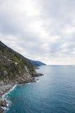 Klippe in der Ligurien-Küste Stockbild