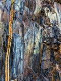 Klippe in einem Steinbruch Stockbilder