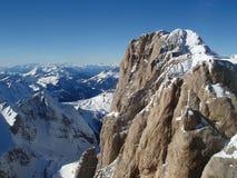 Klippe im Alpes lizenzfreies stockfoto