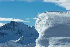 Klippe mit Schnee (Österreich) Stockfotografie