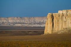 Klippe am Rand der Ustiurt-Hochebene, Kasachstan Lizenzfreie Stockbilder