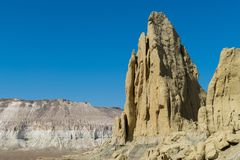 Klippe am Rand der Ustiurt-Hochebene, Kasachstan Stockbild