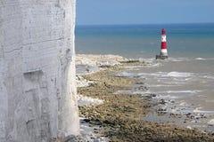 Klippe und Leuchtturm lizenzfreies stockfoto