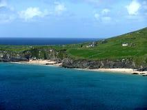 Klippen bij de kust Stock Foto's