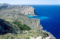Klippen bij GLB Formentor in Majorca, Spanje, Europa, een populaire vakantiebestemming Stock Foto's