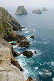 Klippen in de Bretagne kust Stock Fotografie