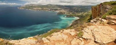 Klippen en kust stock fotografie