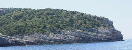 Klippen in Griechenland Stockfotografie