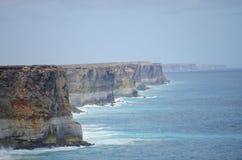 Klippen-Küstenlinie-großer südlicher Ozean Stockfotos
