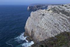 Klippen am Kap San-Vincente Portugal Stockbild