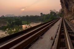 Klippen langs de oude spoorlijn Royalty-vrije Stock Afbeeldingen