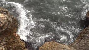 Klippen met hoogwater stock footage