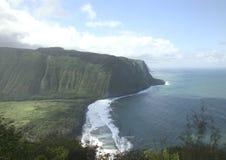 Klippen over de oceaan Stock Fotografie