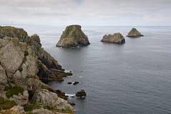 Klippen in Pointe du Penhir, Bretagne, Frankrijk Royalty-vrije Stock Foto